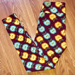 LuLaRoe Apple Teacher Leggings OS